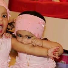بالصور صور اطفال توام اجمل صور اطفال توائم جميلة صور بيبيهات بنات توام كيوت , خلفيات بيبيهات ثنائي 3851 7