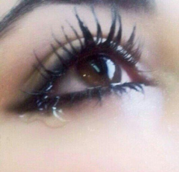 بالصور صور عيون حزينه صور بكاء العيون صور بكاء خلفيات عيون حزينة , خلفيات للدموع 3933 7