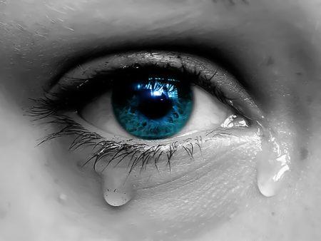 صوره صور عيون حزينه صور بكاء العيون صور بكاء خلفيات عيون حزينة , خلفيات للدموع