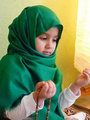 بالصور صور اطفال يدعون الله صور جميلة دعاء الله , خلفيات لاولاد يناجون ربهم 4133 4