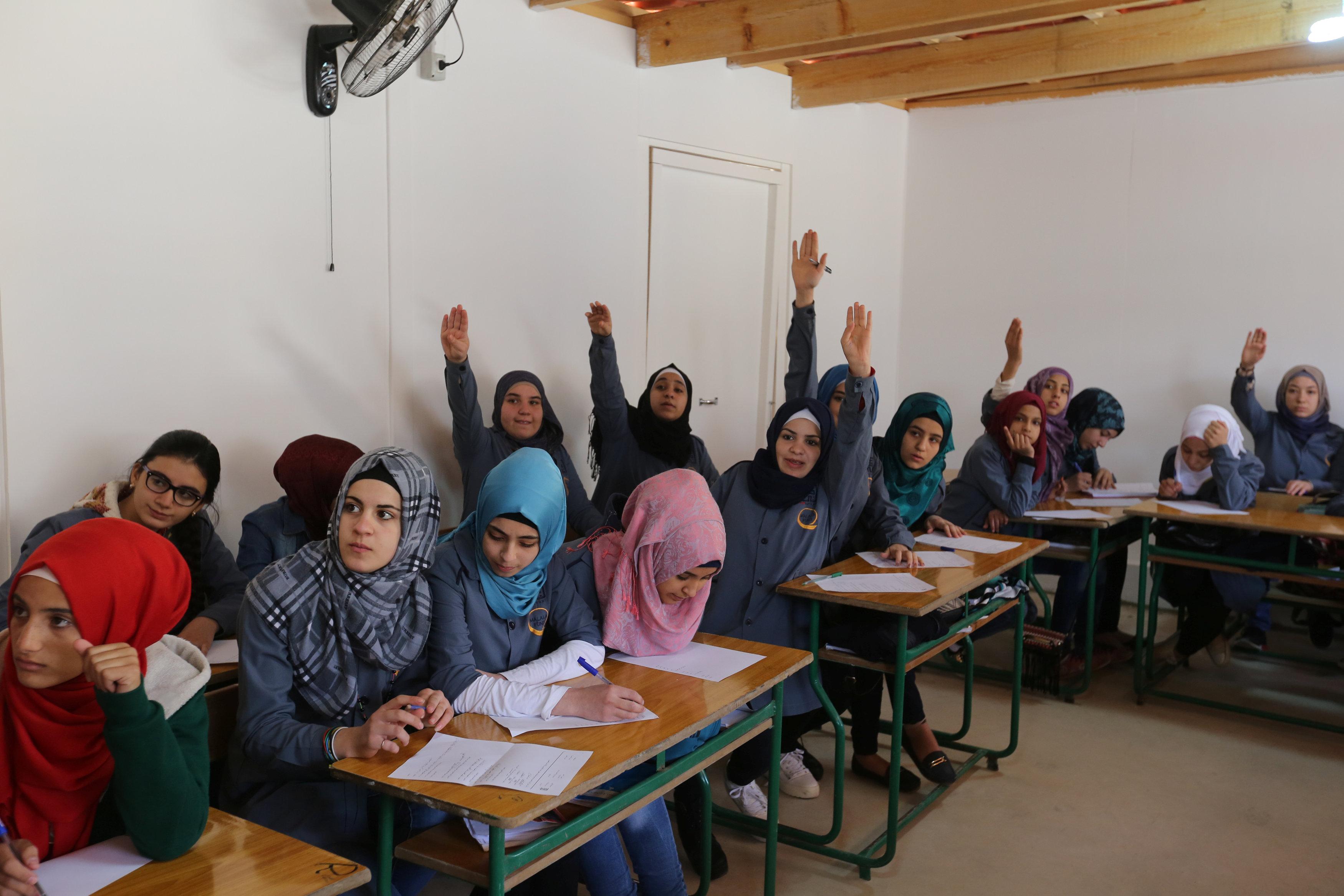 بالصور البنات المراهقات في المدارس , طالبات مراهقة قمة الجمال 4932 11