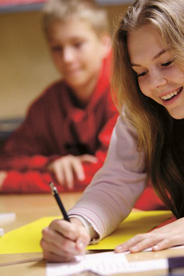 بالصور البنات المراهقات في المدارس , طالبات مراهقة قمة الجمال 4932 9