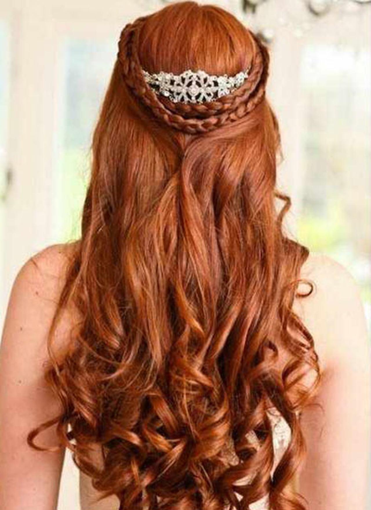 بالصور تسريحات شعر زواج , اشكال الشعر في الزفاف 2021 2